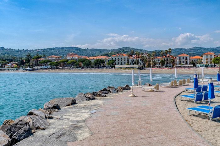 immagine della vista della baia di Diano Marina