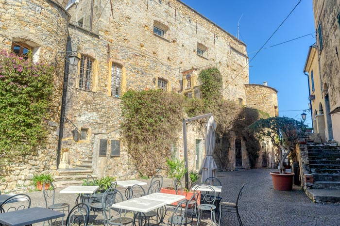 immagine di Piazza Santa Caterina e Museo dei Clavesana