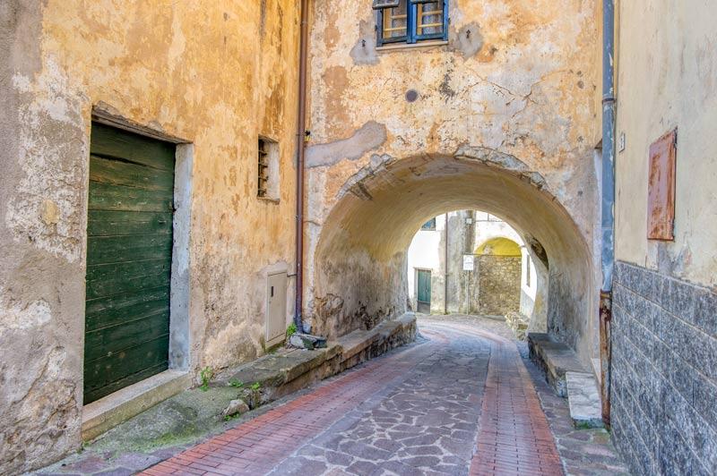 immagine dei portici di San Pietro