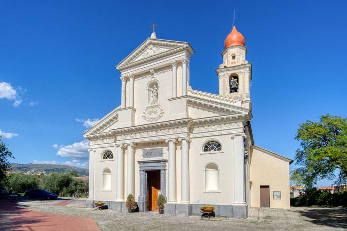 foto del Santuario della Rovere, vista dal piazzale